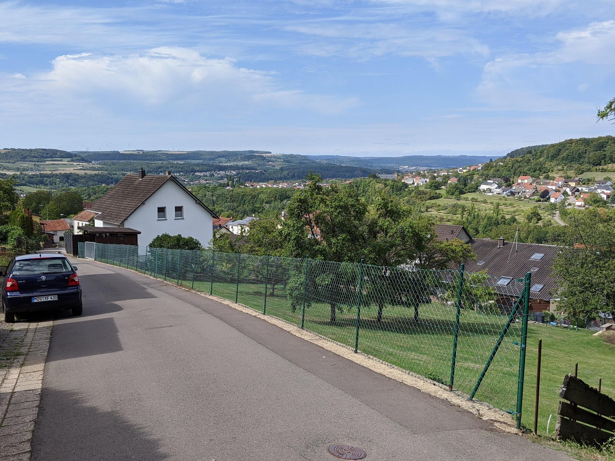 Blick von Menningen ins Saartal