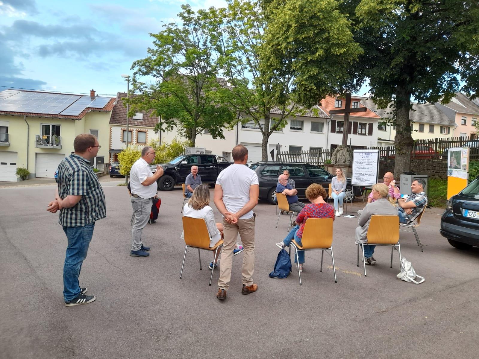 Bürgerworkshop auf dem Dorfplatz in Bietzen